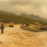 Asfaltando la carretera en Luanda